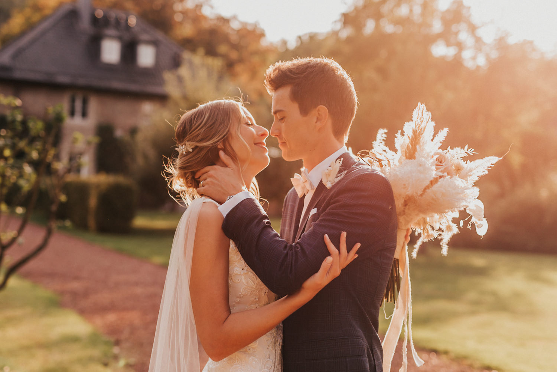 Hochzeitsfotograf-köln-bonn-freie-trauung-hochzeit-schloss-hugenpoet